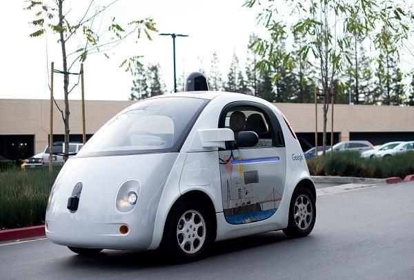 Google wants its autonomous car also has wireless charging